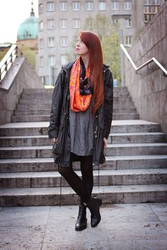 """We nearly missed that """"pop of colour"""" outfit made by one of our favorite german blogger, Jasmin from Tea !"""