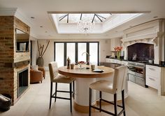 Book Your Free Kitchen Design Consultation Today. Ray Munn Kitchens offers a bespoke kitchen design service that perfectly suits the needs of you and your family. Breakfast Bar Lighting, Breakfast Bars, Open Plan Kitchen, Kitchen Ideas, Kitchen Updates, Kitchen Inspiration, Free Kitchen Design, Edwardian House, Bespoke Kitchens
