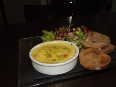 Hummus, Eggs, Breakfast, Simple, Ethnic Recipes, Food, Brewery, Morning Coffee, Essen