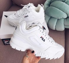 Shop Women's Fila White size Sneakers at a discounted price at Poshmark. Description: FILA sneakers Size Worn but in great condition Cleaned but I will clean more I'd wanted :). Moda Sneakers, Cute Sneakers, Sneakers Mode, Casual Sneakers, Sneakers Fashion, Shoes Sneakers, Adidas Shoes, Women's Shoes, Shoes Style