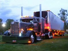 What an old beauty! Stellar Pete.  http://www.bigrigebooks.com   Old school Peterbilt
