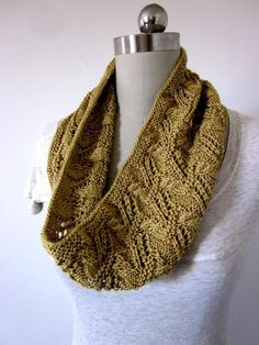 Knit pattern for Joselyn Cowl from Craftsy