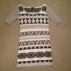 Quarter Sleeve Dress Grey quarter sleeves with black, tan, grey, and white designs T/O Dresses Long Sleeve