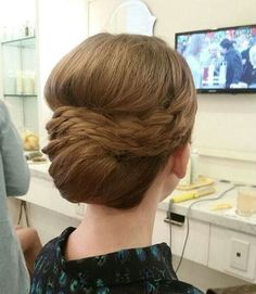 formal+chignon+prom+hairstyle+for+long+hair