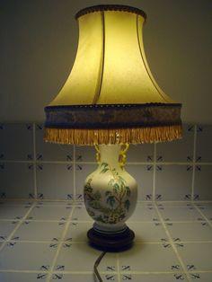 Le Vide Grenier du 62:         Trésor d'asie,Lampe en Faience de Rod...