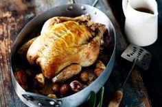 Χριστουγεννιατικο Κοτόπουλο γεμιστό με κάστανα Sunday Roast, Stuffed Whole Chicken, Orange Chicken, Roast Chicken, Chicken And Vegetables, Fresh Herbs, Family Meals, Chicken Recipes, Bacon