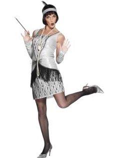 Ce déguisement de danseuse de Charleston est superbe ! Il conviendra particulièrement à une soirée déguisée sur le thème des années 1920 ou 1930.