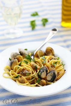 Un dejeuner de soleil: Spaghetti alle vongole (aux palourdes) comme en Italie