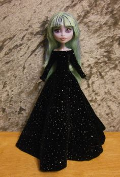 Black velvet gown for small bodied Monster high by moonsight68, $15.00  I LOVE ♥ Twyla ♥