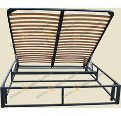 Каркас кровати с подъемным механизмом и металлическим основанием.