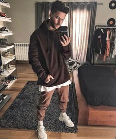 Look at this Cool mens clothing styles 2920410562 Urban Outfits, Fashion Outfits, Fashion Tips, Style Fashion, Fashion Styles, Sneakers Fashion, Latest Mens Fashion, Urban Fashion, Fashion Men