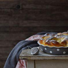 Túrós rózsa bögrésen | Rupáner-konyha Camembert Cheese, Dairy, Sweet, Food, Candy, Essen, Meals, Yemek, Eten