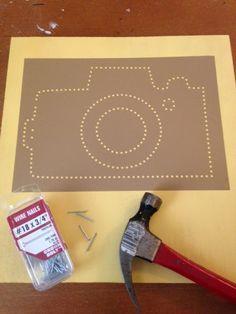 Printje maken en met stippen aangeven waar de spijkers ingeslagen moeten worden.