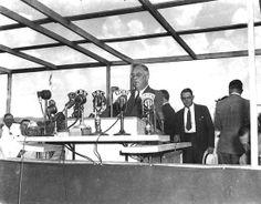 FDR speaks at Latonia Racetrack in 1938