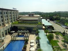 Travel Accomodation Review: Novotel Hyderabad Airport Hotel, India. Can a big city break be a relaxing sojourn? Well, if you thought that was an oxymoron, think again. A visit to Novotel Hyderabad Airport Hotel.