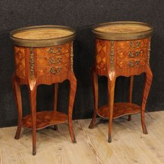 1150€ Pair of French inlaid bedside tables with marble top.  Visit our website www.parino.it #antiques #antiquariato #furniture #golden #antiquities #antiquario #comodino #inlay #inlaid #tavolino #nightstand #table #night #decorative #interiordesign #homedecoration #antiqueshop #antiquestore