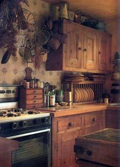 Love the plate rack on the counter!