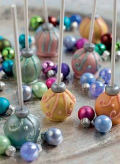 Christmas cake pops that look like ornaments are almost too pretty to eat.