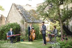 Covering weddings in & around Gloucestershire, London, Oxfordshire & the whole UK. Dolores Park, Wedding Ideas, London, Weddings, House Styles, Cover, Travel, Viajes, Wedding