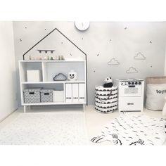 chakiさんの、部屋全体,IKEA,子供部屋,北欧,シンプル,白黒,雲,モノトーン,こども部屋,キッズスペース,新築,こどもスペース,レターバナー,小さなお家,ファームリビング,遊び部屋,こどもと暮らす。,farmliving,のお部屋写真