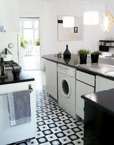 Geometric Tiles Kitchen floor - monochrome