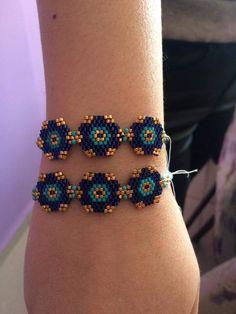 Boncuk Bead Loom Bracelets, Beaded Bracelet Patterns, Peyote Patterns, Beading Patterns, Beaded Earrings, Seed Bead Jewelry, Bead Jewellery, Beaded Jewelry, Handmade Jewelry