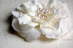 Wedding Hair Piece, Bridal Accessories, Wedding Headpiece, Bridal Floral Fascinator, Ivory Bridal Hair Flower Head Piece - Romance In Bloom on Etsy, ¥10,000.00