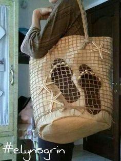 Ara.mas creazioni interpreta con questa borsa e ciabattine il contest di giugno dedicato allo stile marinaro