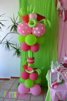 Columna de Globos para una fiesta temática de Rosita Fresita.