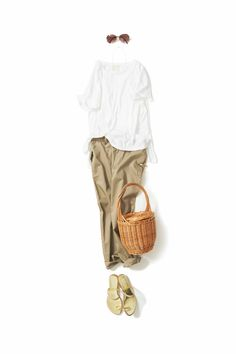 kk-c ~lisa〃. Minimal Classic, Minimal Chic, Summer Office Outfits, Work Wardrobe, Wardrobe Ideas, Japanese Outfits, Outfit Combinations, Dress For Success, Fashion Images