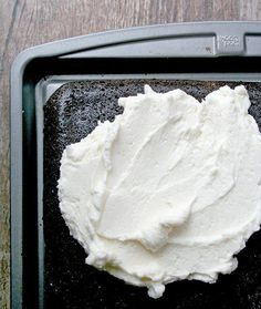 If you're a fan of incredibly yummy frosting, try this small-batch version of Swiss meringue buttercream.