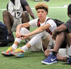 ) from the story Backcourt *Lamelo Ball* by CelebsYouLove (Big Pimpin ) with reads. Curly Hair Men, Curly Hair Styles, High School Games, Hair Toupee, Diana Dors, Black Boys, Baby Daddy, Man Crush, Michael Jordan