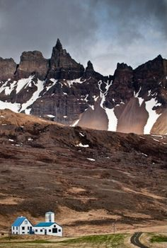 This is Öxnadalur, which is located in one of the last valleys leading up to Akureri. Discovered by Bo at Akureyri, Iceland