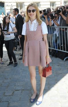 #NataliaVodianova looking sweet as can be in gingham. Paris