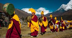 Everest panorama Trekking, trek and Holidays with beside THE hIMALAYAN tREKS