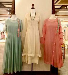 Stylish kurti neck designs for women - ArtsyCraftsyDad Stylish Dresses, Simple Dresses, Fashion Dresses, Kurta Designs Women, Blouse Designs, Simple Kurti Designs, Indian Attire, Indian Ethnic Wear, Pakistani Dresses