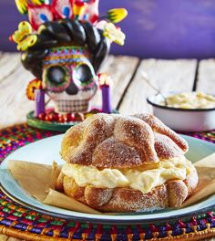 Relleno de pan de muerto en Thermomix® Mexican Party, Food Trends, Party Desserts, Vegan Sweets, Donuts, Bakery, Cheesecake, Food And Drink, Breads