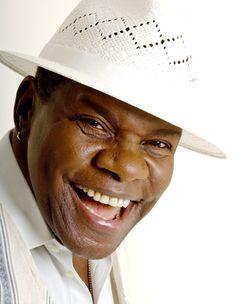 O saudoso Emílio Santiago ganhará homenagem em Miami - http://colunas.revistaepoca.globo.com/brunoastuto/2013/03/29/o-saudoso-emilio-santiago-ganhara-premio-em-miami/ (Foto: Reprodução)