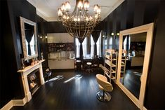 Yes, I can have my own private beauty salon in my home. Yes, I can have my own private beauty salon in my home. Nail Salon Decor, Beauty Salon Decor, Estudio Makeup, Sala Vip, Home Hair Salons, In Home Salon, Glam Room, Salon Design, Beauty Room