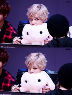 Nooooo!!!! Stop being cute!!! This is against the laws TaeTae!!!! ❤❤❤❤