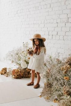White dress and sweetest shoes Baby Girl Fashion, Toddler Fashion, Toddler Outfits, Kids Outfits, Kids Fashion Summer, Fashion Kids, Fashion 2020, Fashion Trends, Fashion Design