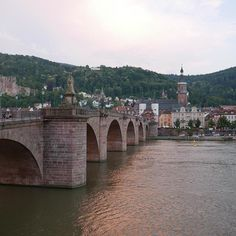 Heidelberg, such a lovely little town! #germany #weekend//Now on my way to hike in the Alps for the weekend  #carasharratttravel