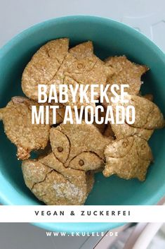 Recipe for vegan sugarfree baby biscuits with avocado Baby Led Weaning Breibre Baby Ernährung Baby Led Weaning First Foods, Baby Snacks, Biscuits Végétaliens, Baby Food Recipes, Vegan Recipes, Baby Puree Recipes, Fingerfood Baby, Baby Food By Age, Avocado Dessert