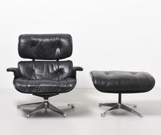 Lounge Chair + Ottoman from the fifties designed by Charles & Ray Eames for Herman Miller