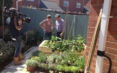 4-alan-titchmarsh-katie-rushworth-presenters Back Garden Design, Woodland Garden, Scene Photo, Back Gardens, New Series, Garden Styles, Get The Look, Behind The Scenes, Love You