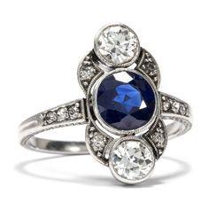 Art Déco um 1920: Trilogie RING mit Saphir & Diamanten in Platin Verlobungsring