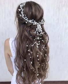 Gorgeous Wedding Hairstyles - Check out 60 wedding hairstyles design ideas and inspiration! No matter what your wedding style is, whether your hair is curly or straight, long hair or short hair, these wedding hairstyles will definitely inspire you. Wedding Hair Up, Bridal Hair, Wedding Hair Jewelry, Wedding Dress, Wedding Hair Inspiration, Hair Decorations, Bride Hairstyles, Bridesmaid Hairstyles, Free Hair
