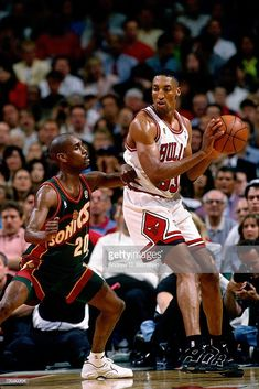 Basketball Legends, Sports Basketball, Nfl Football, Scottie Pippen, Gary Payton, Sport Nutrition, Michael Jordan Basketball, Basketball Pictures, Basketball Videos