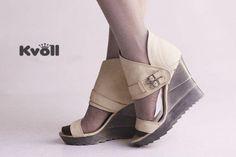 Designer-Damen-Schuhe-High-Heels-Sandaletten-Wedges-Beige-Creme-Riem-UVP-29-90