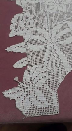 This Pin was discovered by HUZ Crochet Tablecloth Pattern, Filet Crochet, Projects To Try, Knitting, Blog, Pictures, Towels, Craft, Free Crochet